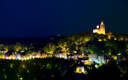 veliko: Veliko Tarnovo by night, Tsarevets fortress in Bulgaria