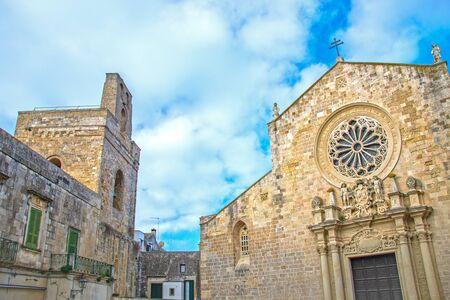 Catedral de Otranto, Italia dedicada a la Anunciación de la Virgen María consagrada en 1088 Foto de archivo