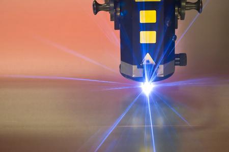 laser snij machine technologie industrie achtergrond in fabriek Stockfoto