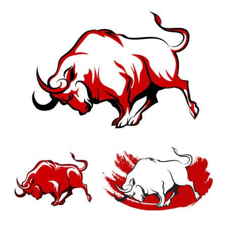 toro: Luchar conjunto Bull Emblem. Running Bull enojada en tres variaciones. Aislado en el fondo blanco.
