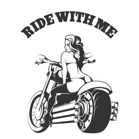 jinete: la muchacha del motorista atractiva en bikini y botas en una motocicleta con Ride redacción conmigo. Fuente libre Usado Vectores