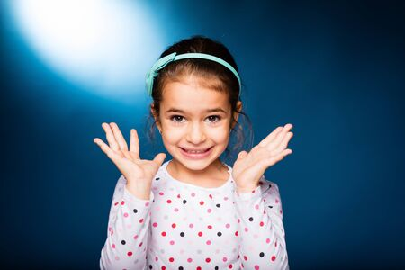 whine: little girl with green headband with bow, whine