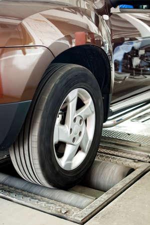 car suspension and brake testing system photo