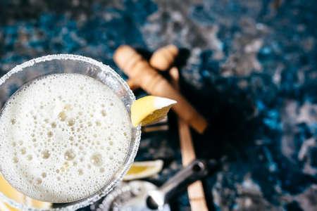 cocktail strainer: Details of margarita beverage, cocktail fancy drink served as summer drink in restaurants and bars