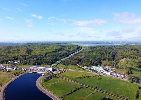 Hydroelectric power plant in summer, aerial view. Zarnowiec, Poland Standard-Bild