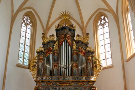 supplicating: Church pipe organ