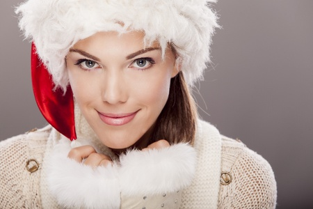 Young woman in winter clothes Stock Photo - 18473989