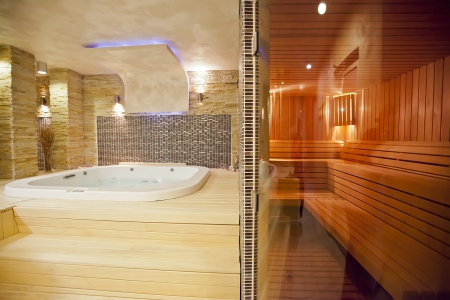 jacuzzi: Wellness center