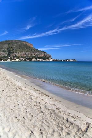 Mondello, Sicily Фото со стока - 33172675