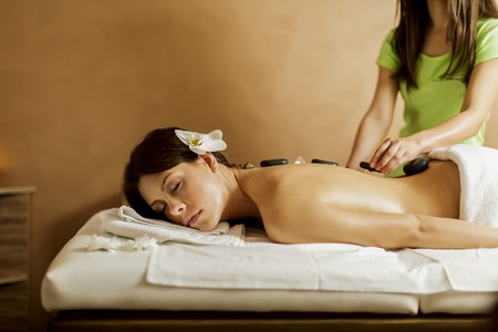 stone massage: Hot stone massage therapy