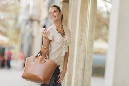chicas compras: Compras Foto de archivo