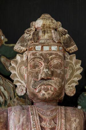 sri lankan: Sri Lankan statue