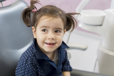 hygeine: Little girl at dentist