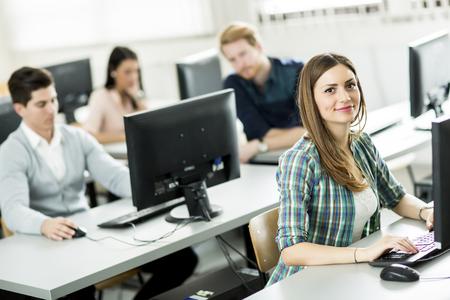 テクノロジー: 教室には生徒 写真素材