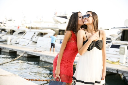 lifestyle shopping: Young women in the marina
