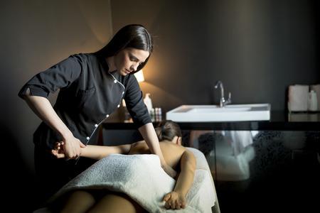 Massaggio Archivio Fotografico - 50334252