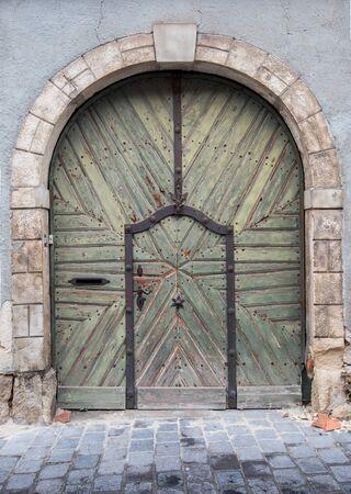 Vieille porte de Budapest Banque d'images