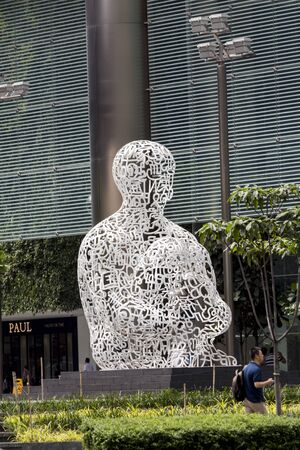 plensa: SINGAPORE - AUGUST 6, 2014: Sculpture Singapore Soul in Singapore. It was designed by Jaume Plensa at 2011.
