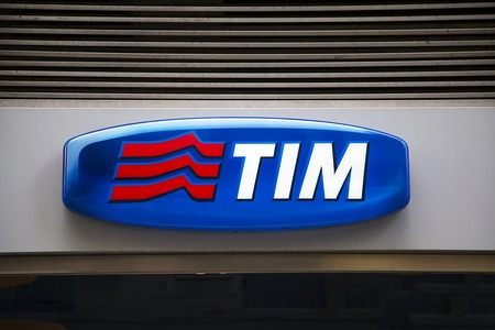 italia: FLORENCE, ITALY - MAY 27, 2016: Detail of the TIM store in Florence, Italy. TIM (Telecom Italia Mobile) is Telecom Italia's mobile phone brand founded in 1995. — Editorial