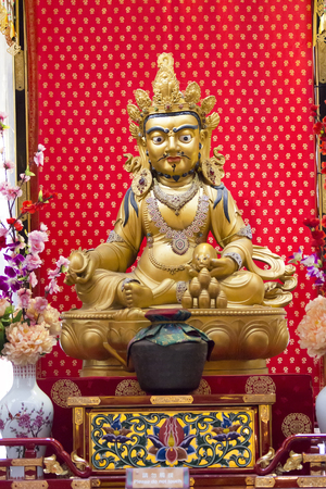 zen interior: SINGAPORE - AUGUST 6, 2014: Detail from Buddha Tooth Relic Temple in Singapore. Temple is based on the Tang dynasty architectural style and was established at 2002.