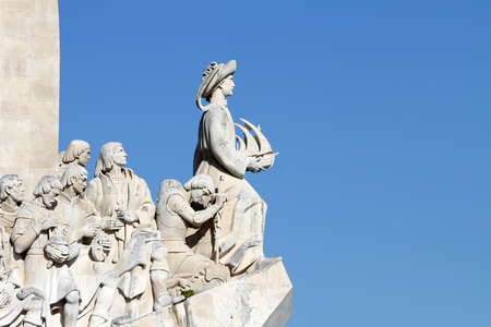 descubridor: Detail of Padrao dos Descobrimentos (Monument of the Discoveries) in Lisbon, Portugal. This 52 metre-high monument was built for the World Fair in 1940. Foto de archivo