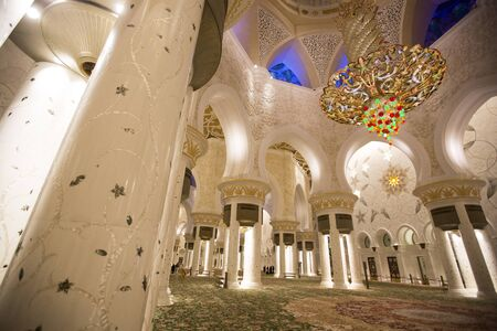 sheikh zayed mosque: ABU DHABI, UAE - MAY 4, 2015: Interior of Sheikh Zayed Mosque in Abu Dhabi. Mosque was designed by Yusef Abdelki and opened at 2007. Editorial