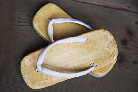 sandal: Visión en la sandalia japonesa tradicional desde arriba