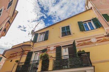 mare: Traditional house in Monterosso al mare