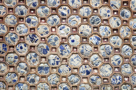 Detail of the decoration from Royal Palace in Hue, Vietnam Редакционное