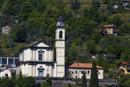 コモ湖イタリアのローマの Parrocchia ・ ディ ・ s ・ Abbondio に表示します。 写真素材