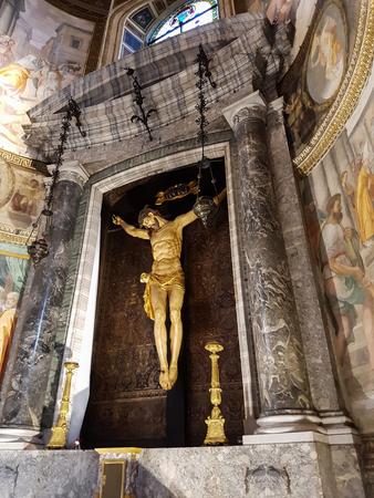 로마, 이탈리아 -2006 년 9 월 24 일 : 로마, 이탈리아에서 산타 마리아 델 애니 마 교회에서 세부 사항. 1522 년에 문을 연 로마 카톨릭 교회입니다.
