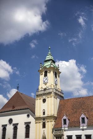 브라 티 슬라바, 슬로바키아에서에서 예수회 교회의 세부 사항 에디토리얼