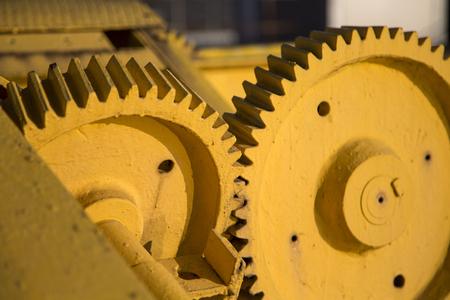Close-updetail van de gele dokkraan