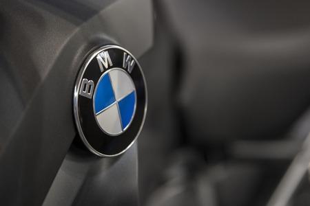 ベオグラード、セルビア - 2017 年 3 月 28 日: BMW の車の詳細。BMW はドイツの高級車、オートバイ、エンジン製造会社は 1916 年に創立 報道画像