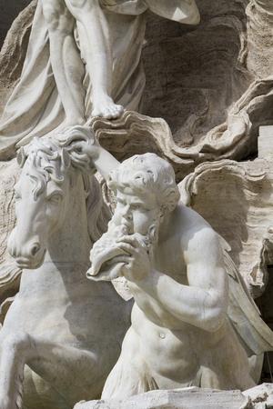 Close-up detail uitzicht op de Trevi fontein in Rome, Italië