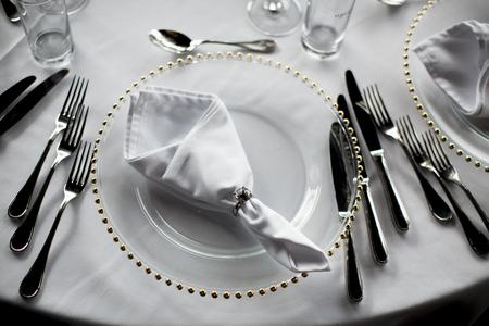 Blick auf Luxus-Hochzeitsdekoration des Tisches