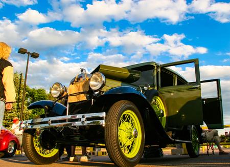 デンバーでバーガー キング クラシックカー ショーでデンバー、アメリカ合衆国 - 2008 年 6 月 19 日: 古典的な車。夏の間ずっと木曜日あらゆる夜はバ 報道画像