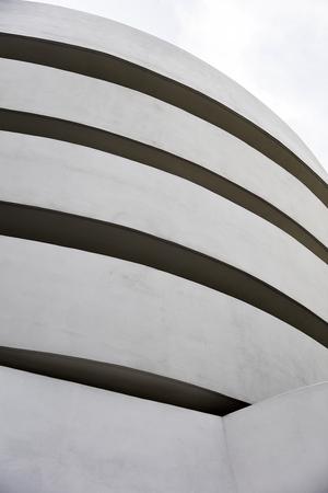 ニューヨーク、米国-8 月22、2017: ニューヨークのグッゲンハイム美術館の詳細。博物館はフランク・ロイド・ライトによって設計され、建物は 1959 10