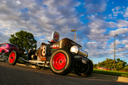 米国デンバー-6 月19、2008: デンバーのバーガーキングクラシックカーショーでクラシックカー。バーガーキングクラシックカーショーは毎週木曜の夜