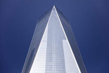 뉴욕, 미국 -AUGUST 30, 2017 : 뉴욕에서 하나의 세계 무역 센터의 세부 사항. 541m로 서반구에서 가장 높은 건물입니다. 에디토리얼