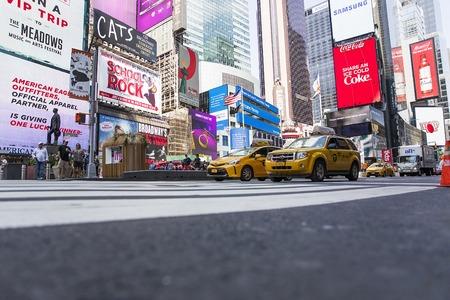 タイムズスクエア、ニューヨーク ニューヨーク、アメリカ合衆国 - 2017 年 8 月 31 日: 不明の人が。タイムズスクエアは、ニューヨーク市で最も人気