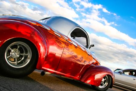 デンバーでバーガー キング クラシックカー ショーでデンバー、アメリカ合衆国 - 2008 年 6 月 19 日: 古典的な車。夏の間ずっと木曜日あらゆる夜はバーガー キングの古典的な車のショーは無料です。 写真素材 - 90353572