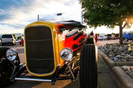 DENVER, DE VS - 19 JUNI, 2008: Klassieke Autoshow in Denver. Klassieke autoshows zijn de hele zomer lang elke donderdagavond gratis. Redactioneel