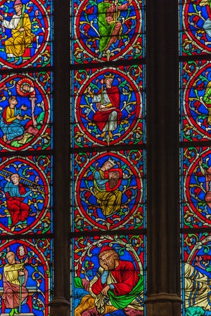 Detail of the stained glass from Cathedrale Notre Dame de Paris, France Stok Fotoğraf - 93292671