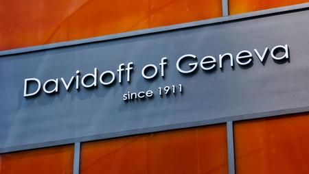 New york, usa - 2 mai 2013: détail du magasin davidoff de genève à new york. C'est une marque suisse premium pour cigares et accessoires pour la fumée fondée en 1911. Banque d'images - 93497091