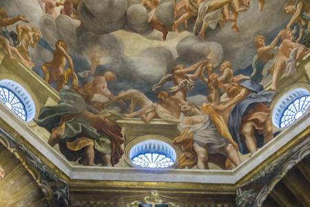 PARME, ITALIE - 17 février 2018: Intérieur de la cathédrale de Parme en Italie. C'est une importante cathédrale romane italienne. Banque d'images - 97174421