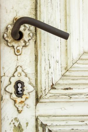 Detail of the decorative old vintage wooden door 版權商用圖片