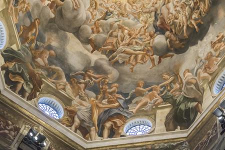 PARMA, ITALIA - 17 FEBBRAIO 2018: Interno della cattedrale di Parma in Italia. È un'importante cattedrale romanica italiana. Archivio Fotografico - 97973596