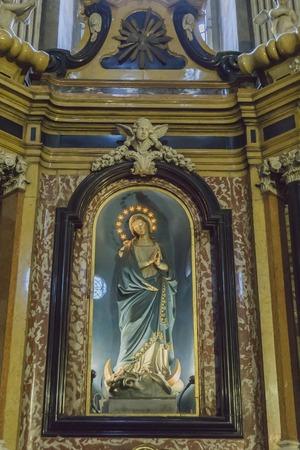 パルマ、イタリア - 2月17、2018:イタリアのパルマ大聖堂の内部。重要なイタリアのロマネスク様式の大聖堂です。