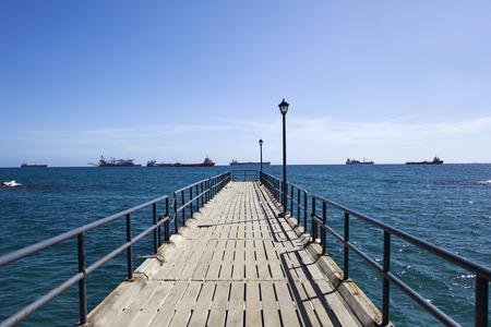 리마 솔, 키프로스에서 지중해에 부두 스톡 콘텐츠 - 99658402